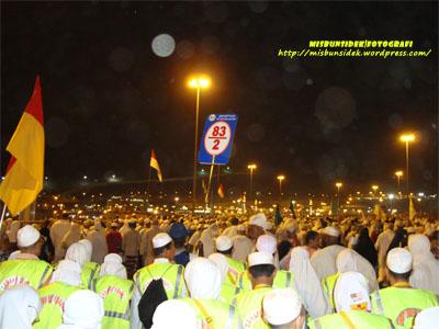 Terpampang panda tanda dan bendera dari Maktab 83 yang diikuti delegasi Nusa Mahsuri.